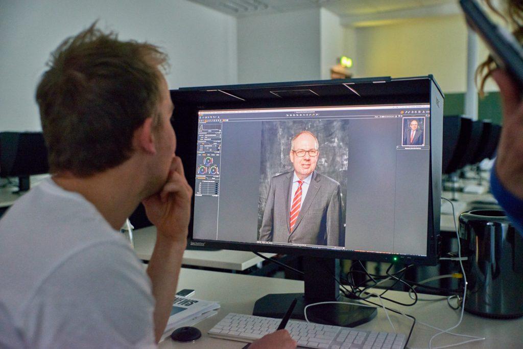 Eröffnung neuer Digitallabore mit Staatssekretär Henner Bunde