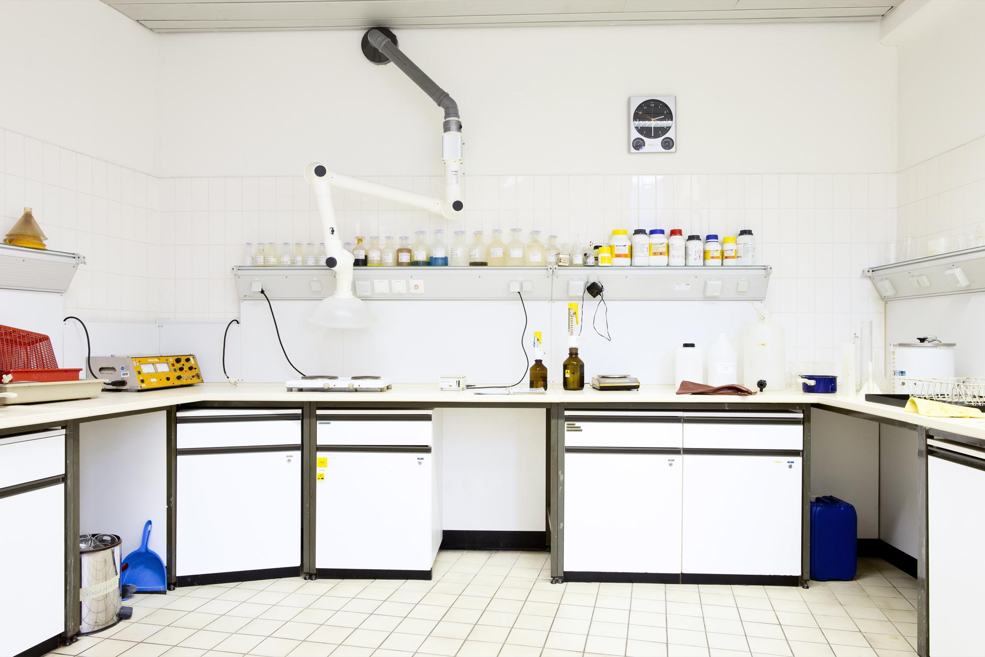Chemie-Raum im Ausbildungsbereich Metallographie Lette Verein Berlin