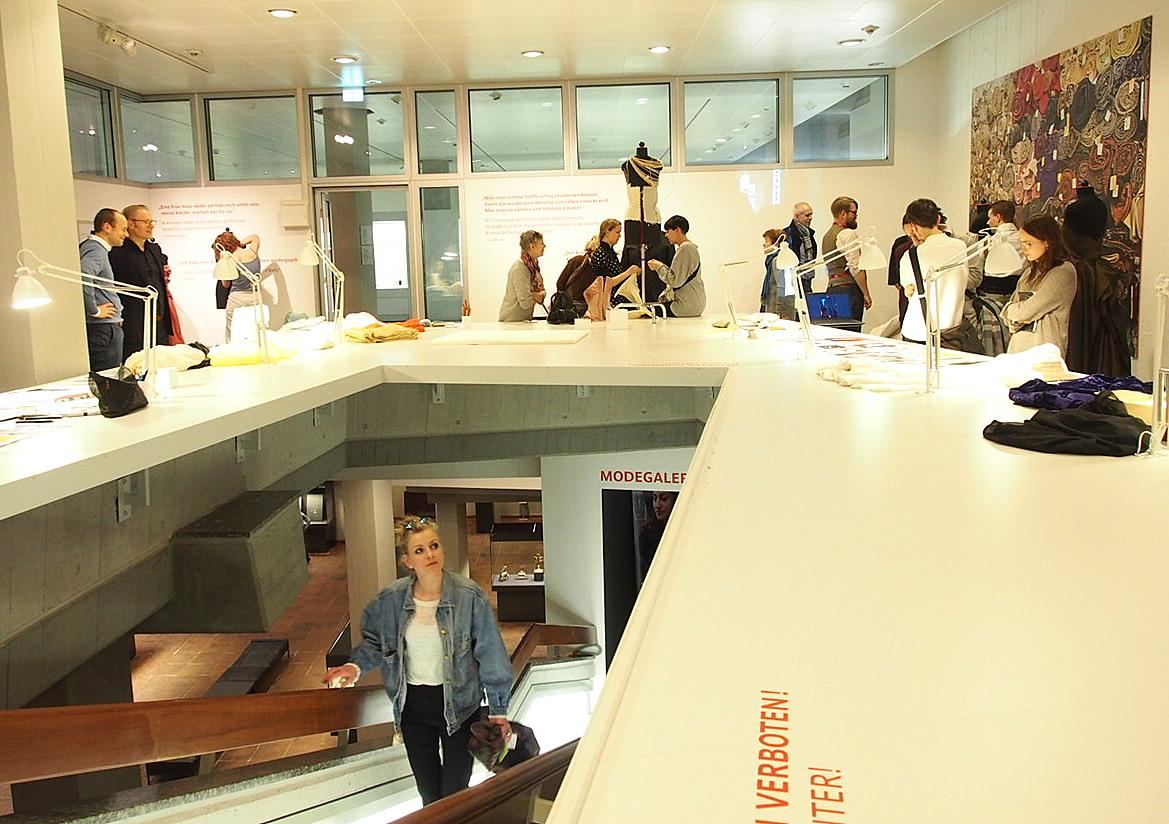 Sascha Johrden, Meisterklasse Mode, Lette Verein Berlin im Kunstgewerbemuseum der staatlichen Museen