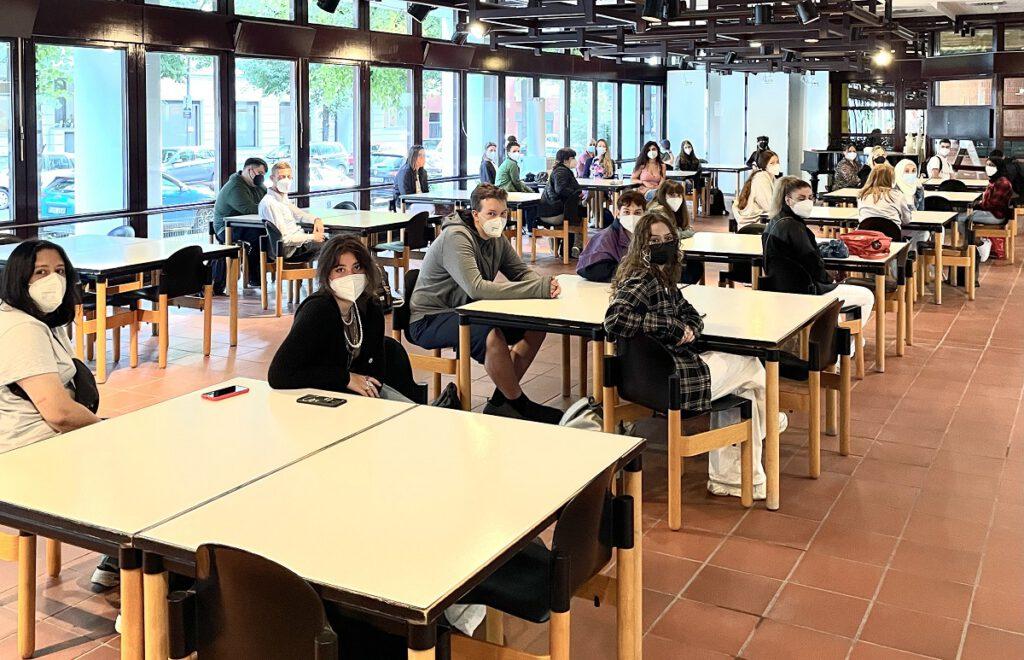Schülerinnen und Schüler im Ausbildungsgang Ernährung und Versorgung